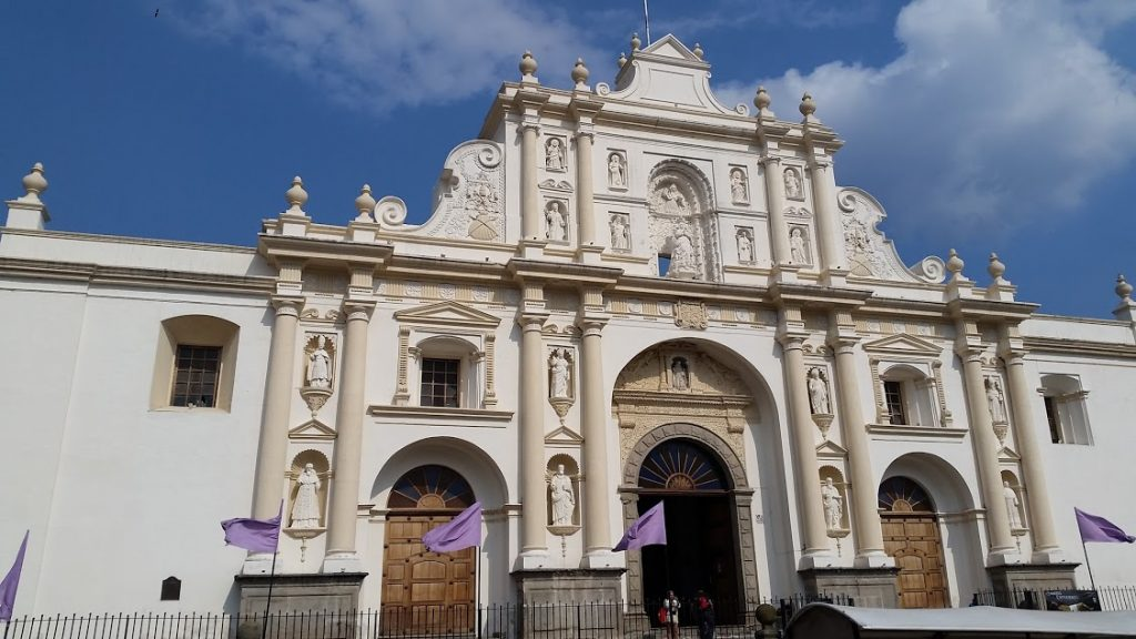the cathedral in the center of Antigua